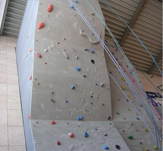 Vabljeni na rekreacijo za odrasle na veliki steni v Brinju